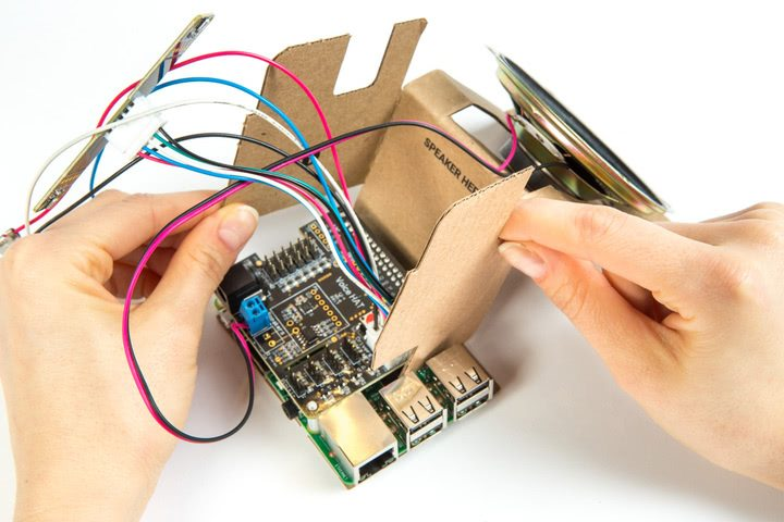 join raspberry Pi board and voice HAT